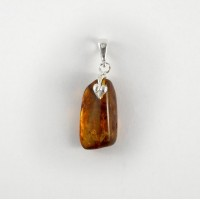 pendant with amber #18