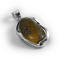 pendant with amber #22